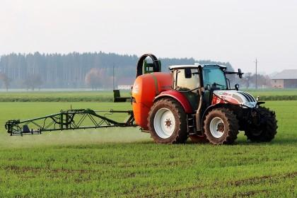 Mieszanie środków ochrony roślin z nawozami dolistnymi